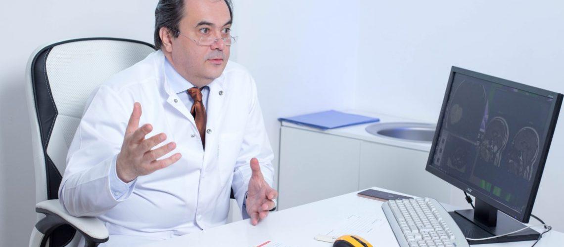 dr. Valentin Munteanu (Medium)